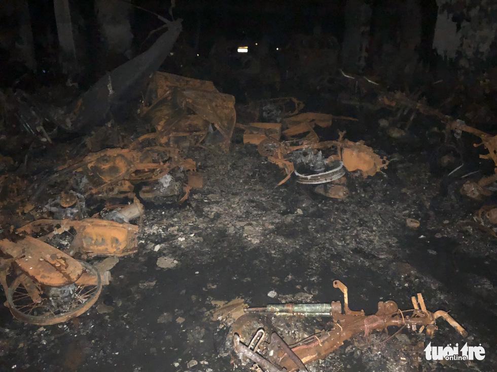 Hiện trường vụ cháy thảm khốc ở chung cư Carina - Ảnh 13.
