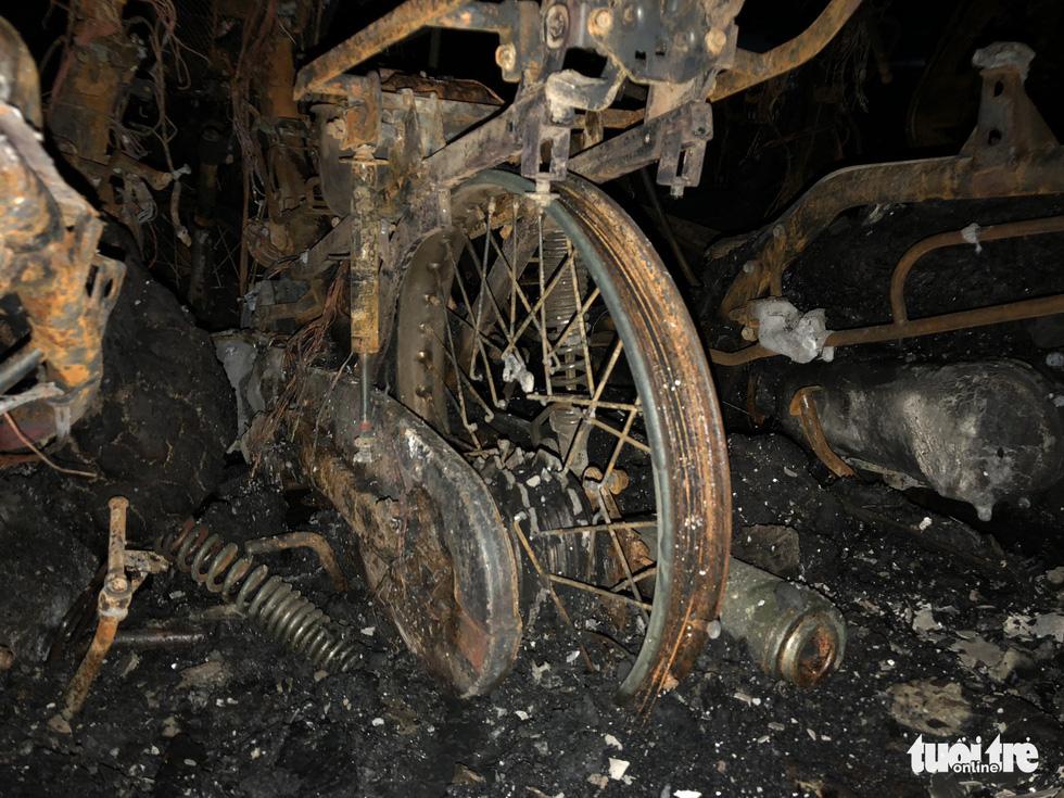 Hiện trường vụ cháy thảm khốc ở chung cư Carina - Ảnh 11.
