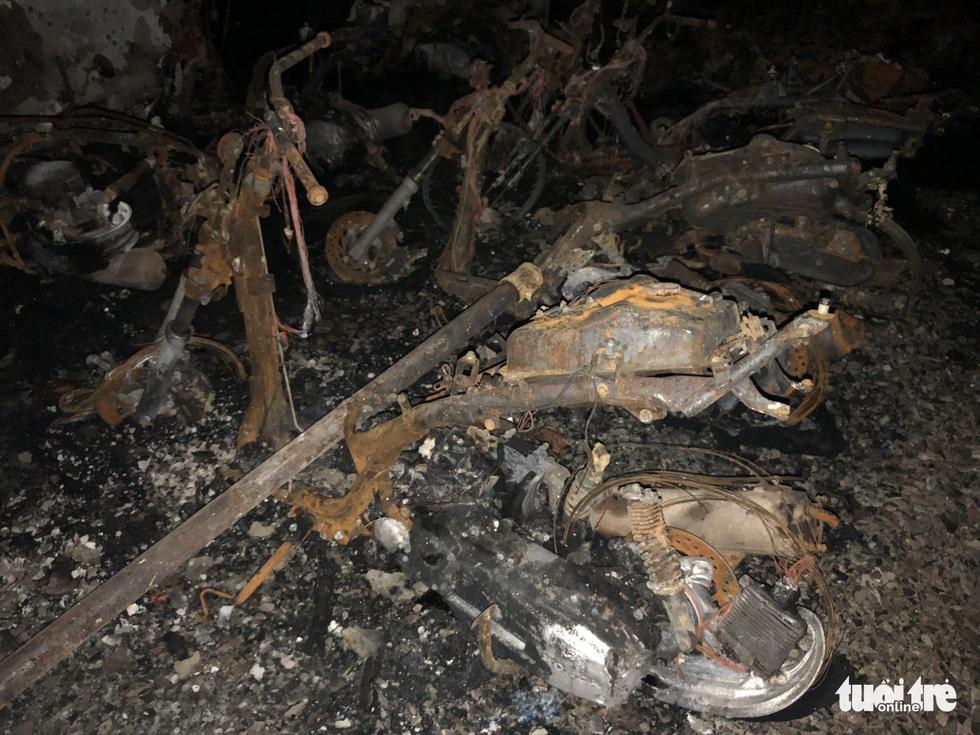 Hiện trường vụ cháy thảm khốc ở chung cư Carina - Ảnh 10.