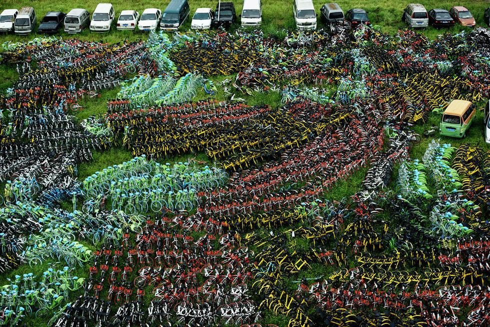 Những núi xe đạp bị vứt bỏ ở Trung Quốc - Ảnh 3.