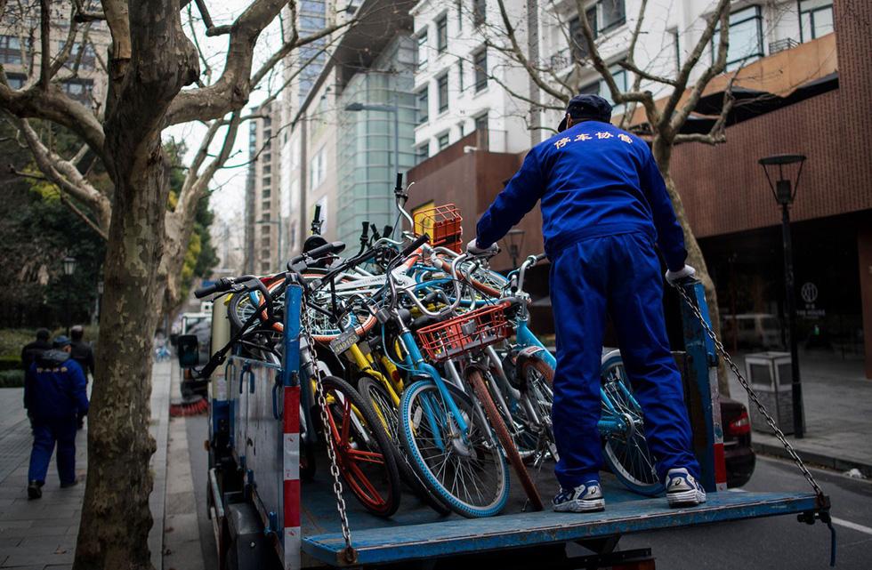 Những núi xe đạp bị vứt bỏ ở Trung Quốc - Ảnh 7.