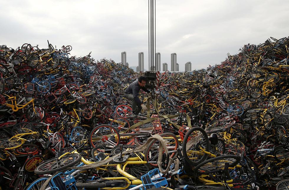 Những núi xe đạp bị vứt bỏ ở Trung Quốc - Ảnh 15.