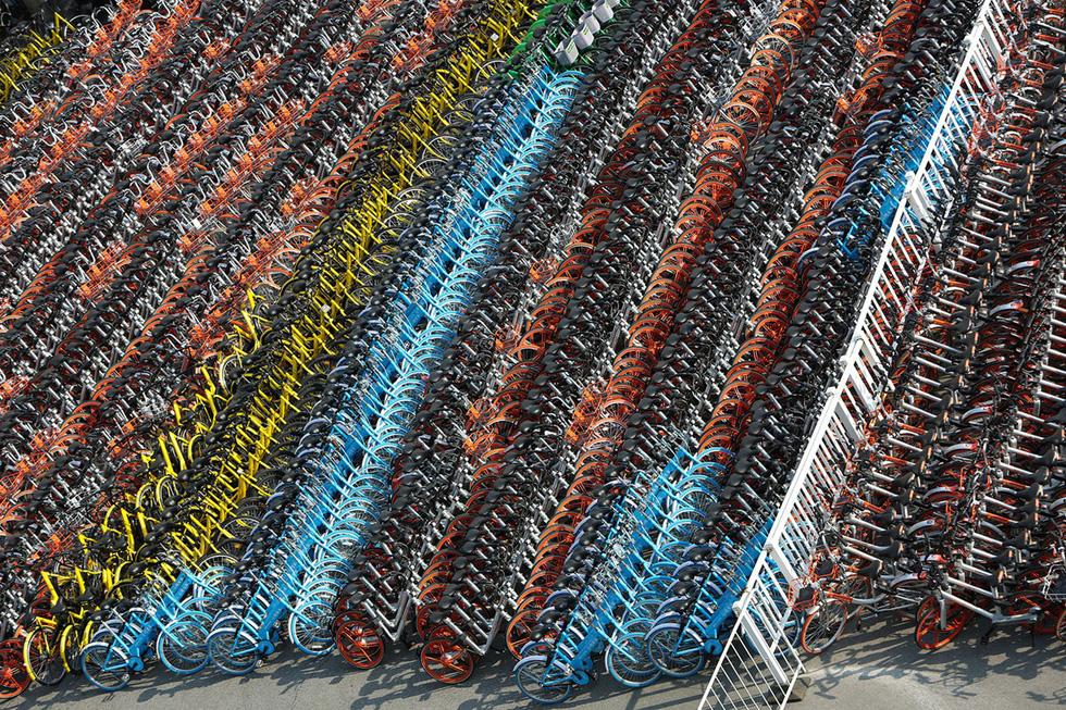 Những núi xe đạp bị vứt bỏ ở Trung Quốc - Ảnh 17.