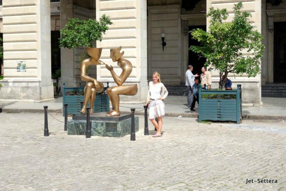Những bức tượng khỏa thân kỳ lạ trên thế giới - Ảnh 11.