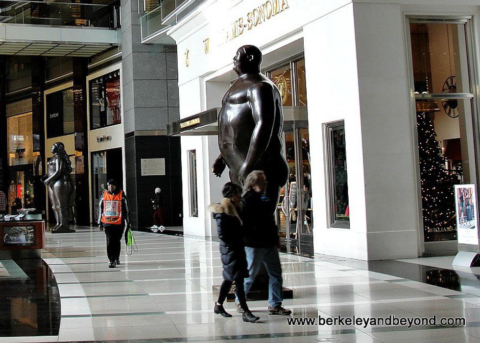 Những bức tượng khỏa thân kỳ lạ trên thế giới - Ảnh 12.