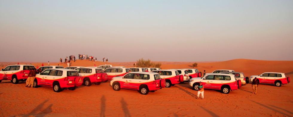 Đua xe trong sa mạc Dubai - Ảnh 7.