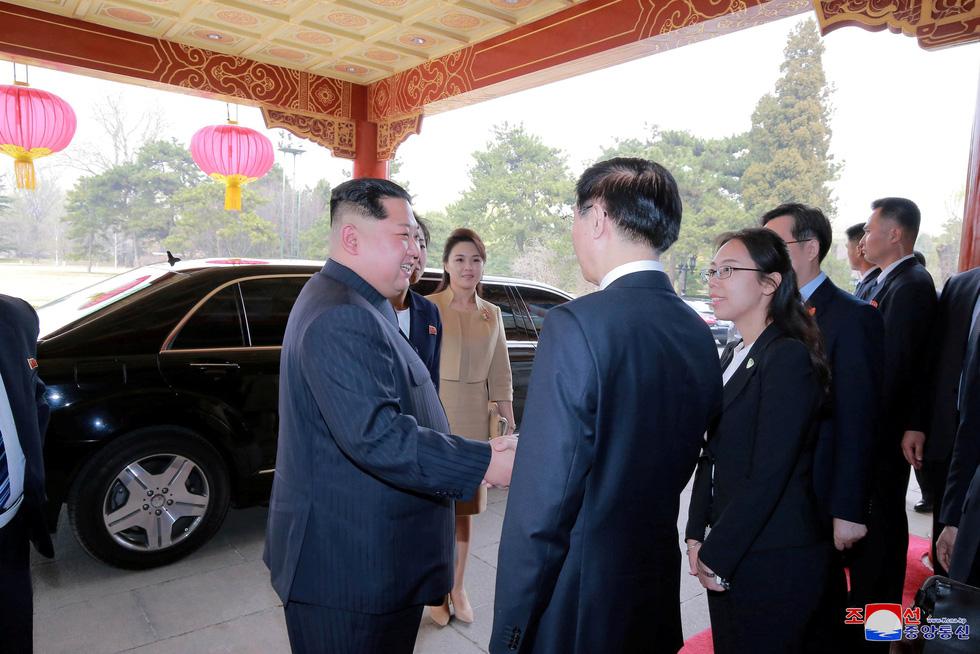 Hình ảnh chuyến thăm lịch sử của ông Kim Jong Un tại Trung Quốc - Ảnh 4.