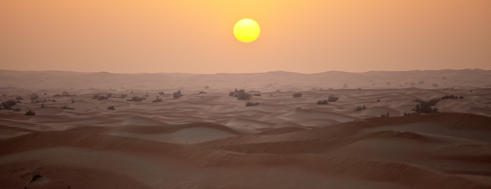 Đua xe trong sa mạc Dubai - Ảnh 4.