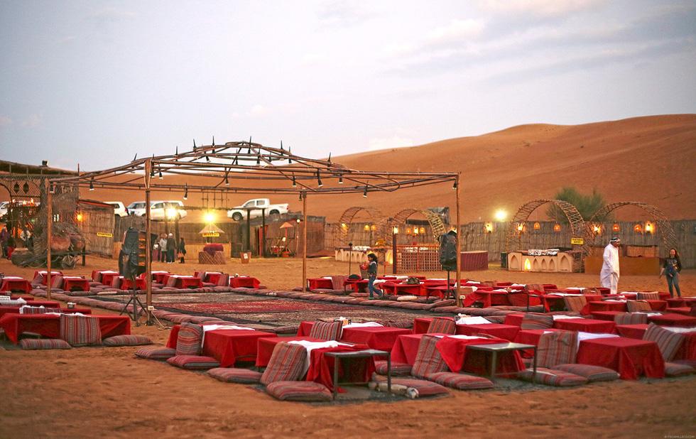 Đua xe trong sa mạc Dubai - Ảnh 8.