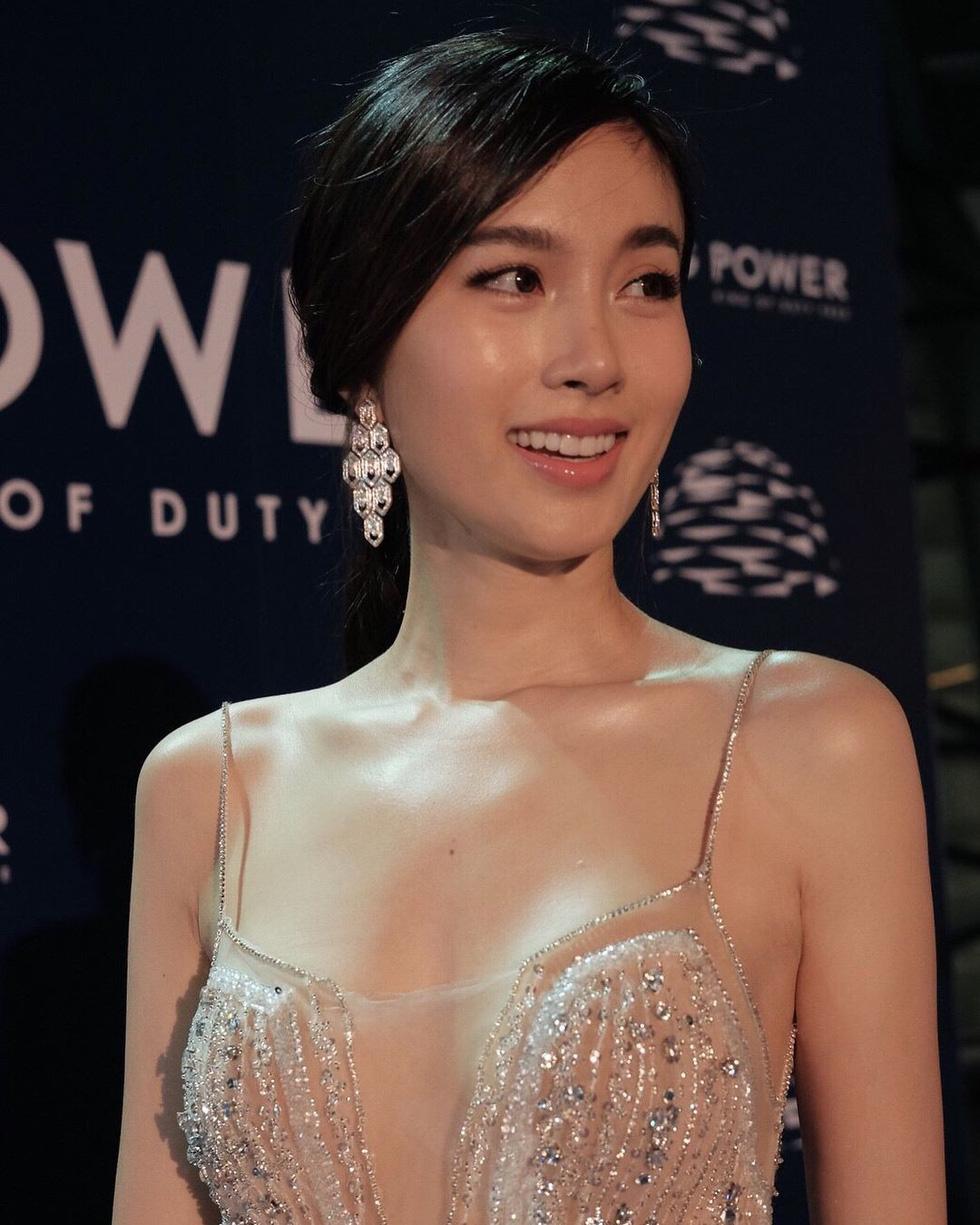 Nhan sắc hút hồn của mỹ nhân chuyển giới đẹp nhất Thái Lan - Ảnh 17.