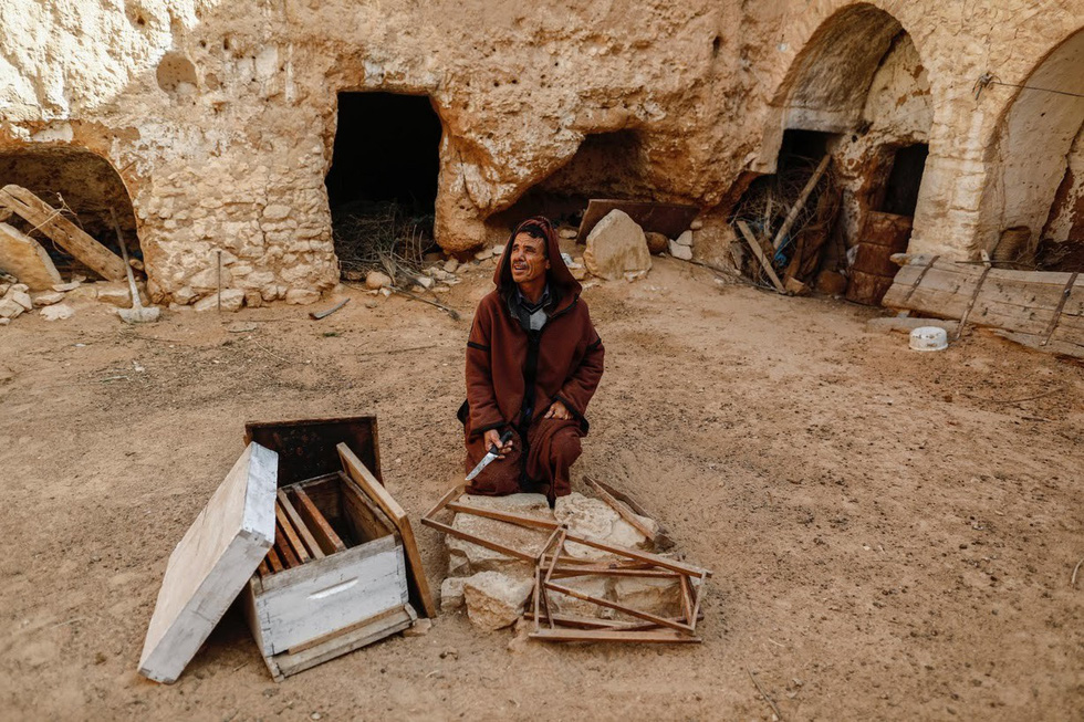 Cuộc sống của các gia đình dưới lòng đất ở Tunisia - Ảnh 3.