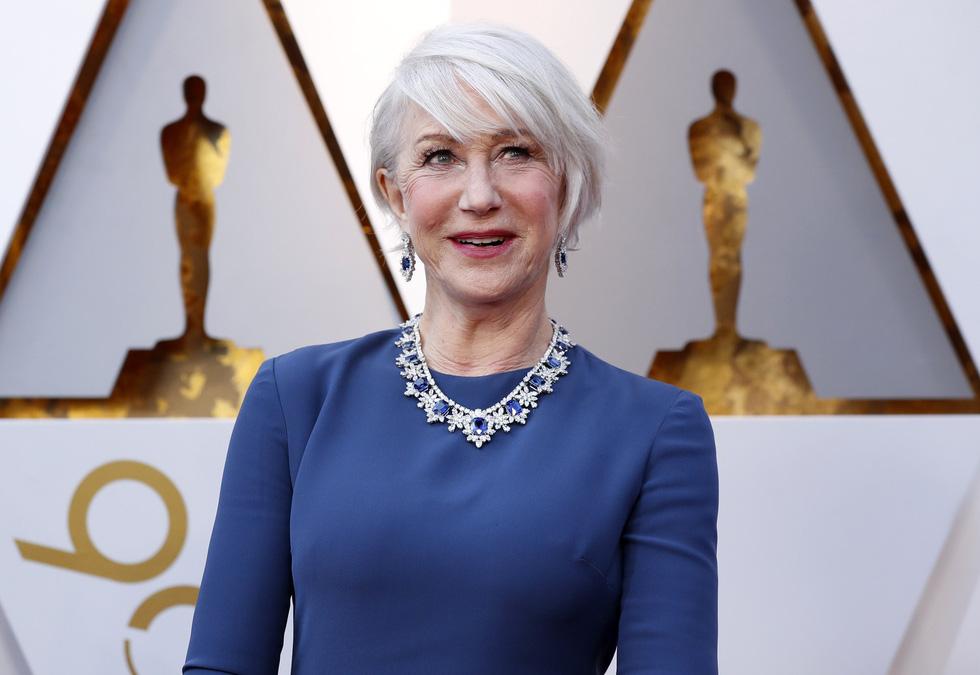 Oscar lần thứ 90 bắt đầu bằng thảm đỏ rực sắc màu - Ảnh 10.