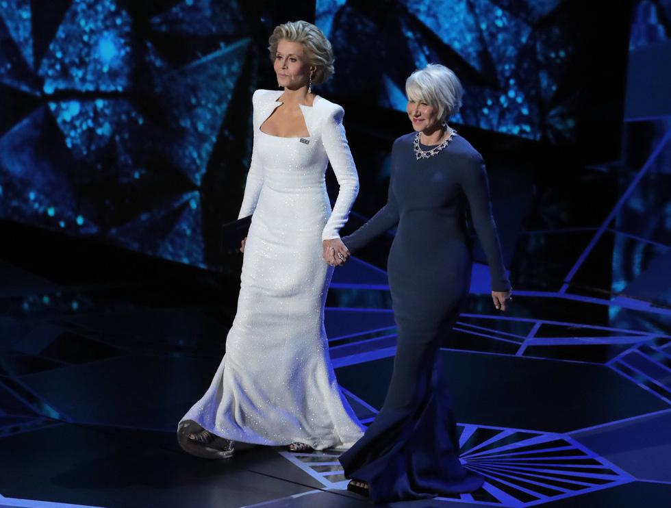 Những tên tuổi nổi tiếng đến Oscar lần thứ 90 để trao giải  - Ảnh 9.