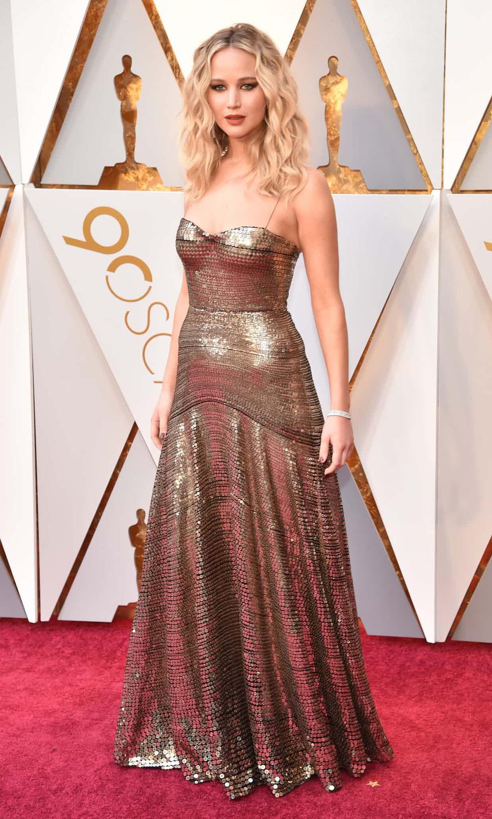 Oscar lần thứ 90 bắt đầu bằng thảm đỏ rực sắc màu - Ảnh 2.