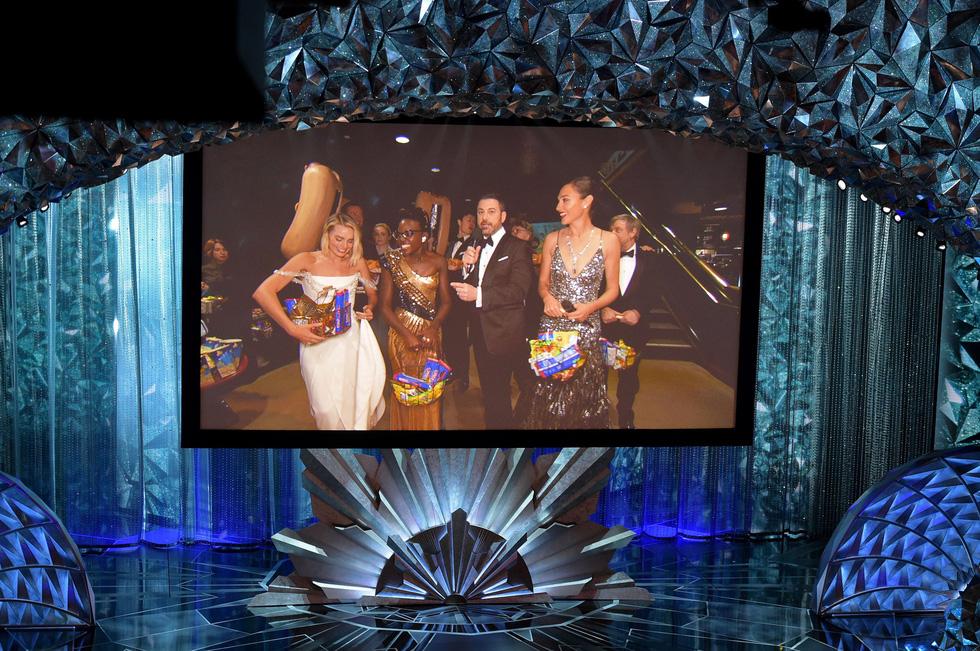 Những tên tuổi nổi tiếng đến Oscar lần thứ 90 để trao giải  - Ảnh 4.