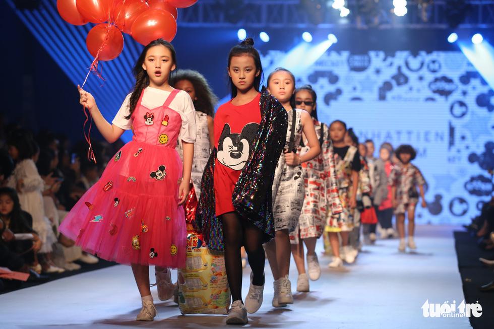 Ngọc Hân thiết kế, cùng Đỗ Mỹ Linh trình diễn thời trang trẻ em - Ảnh 10.