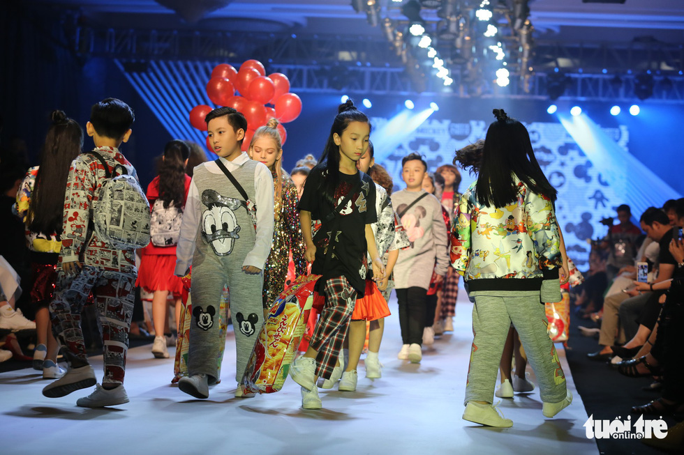 Ngọc Hân thiết kế, cùng Đỗ Mỹ Linh trình diễn thời trang trẻ em - Ảnh 11.
