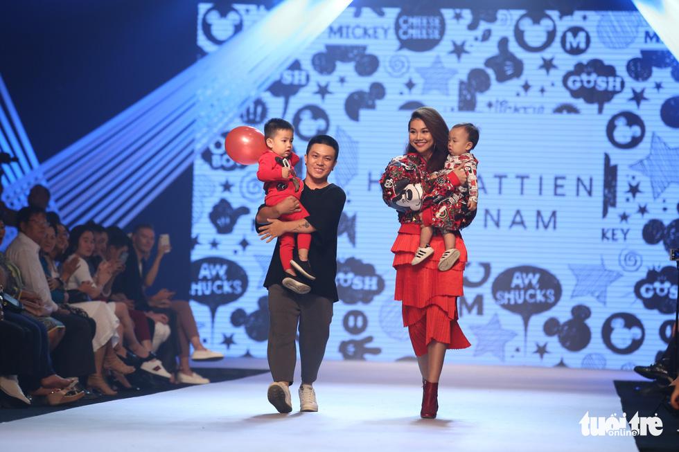 Ngọc Hân thiết kế, cùng Đỗ Mỹ Linh trình diễn thời trang trẻ em - Ảnh 12.