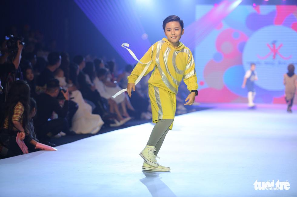 Ngọc Hân thiết kế, cùng Đỗ Mỹ Linh trình diễn thời trang trẻ em - Ảnh 18.