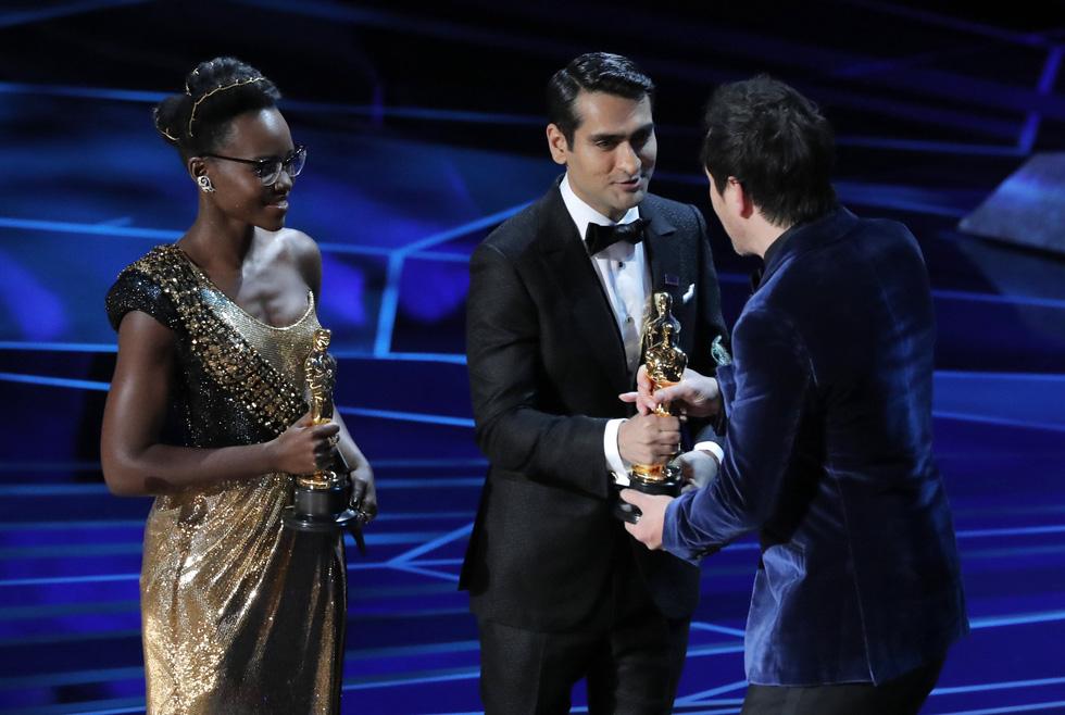Những tên tuổi nổi tiếng đến Oscar lần thứ 90 để trao giải  - Ảnh 14.