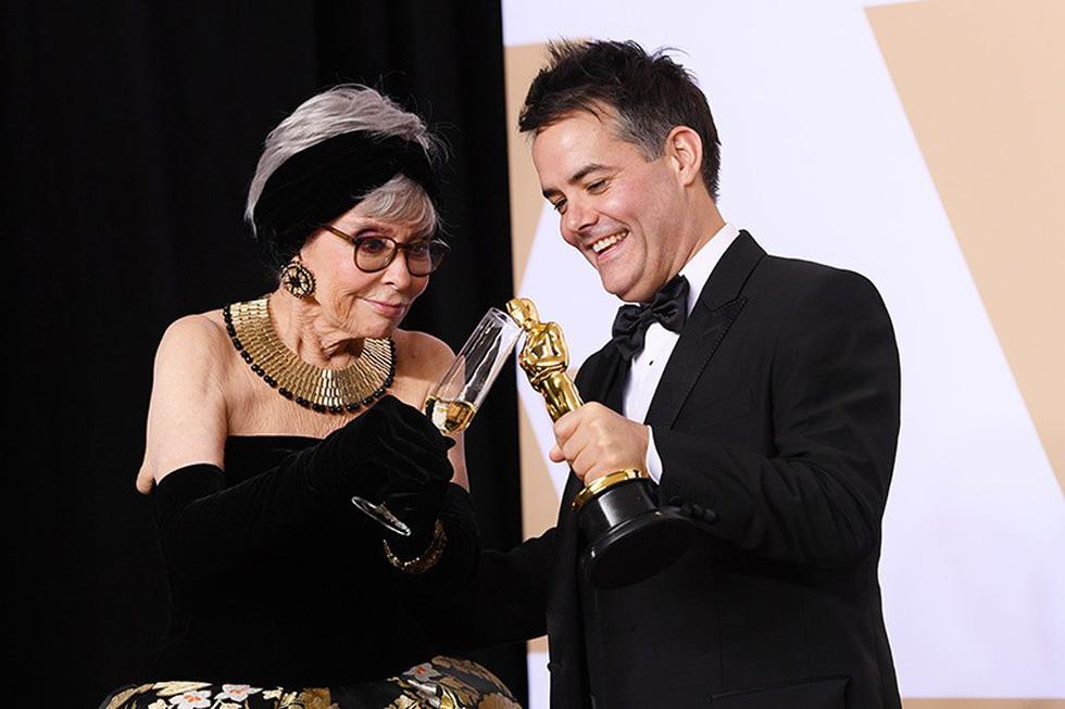 Những tên tuổi nổi tiếng đến Oscar lần thứ 90 để trao giải  - Ảnh 12.