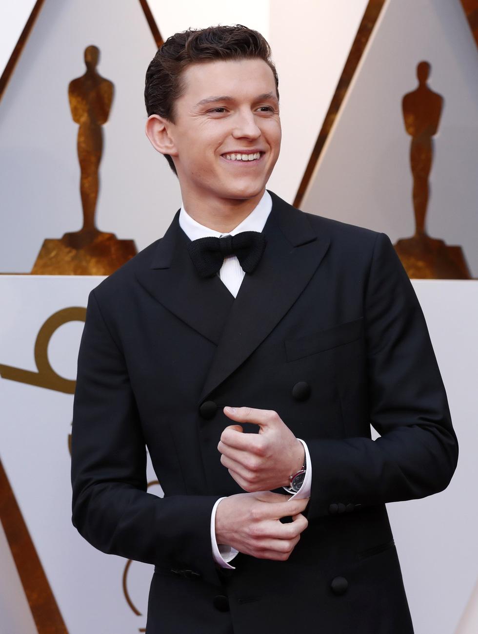 Oscar lần thứ 90 bắt đầu bằng thảm đỏ rực sắc màu - Ảnh 9.