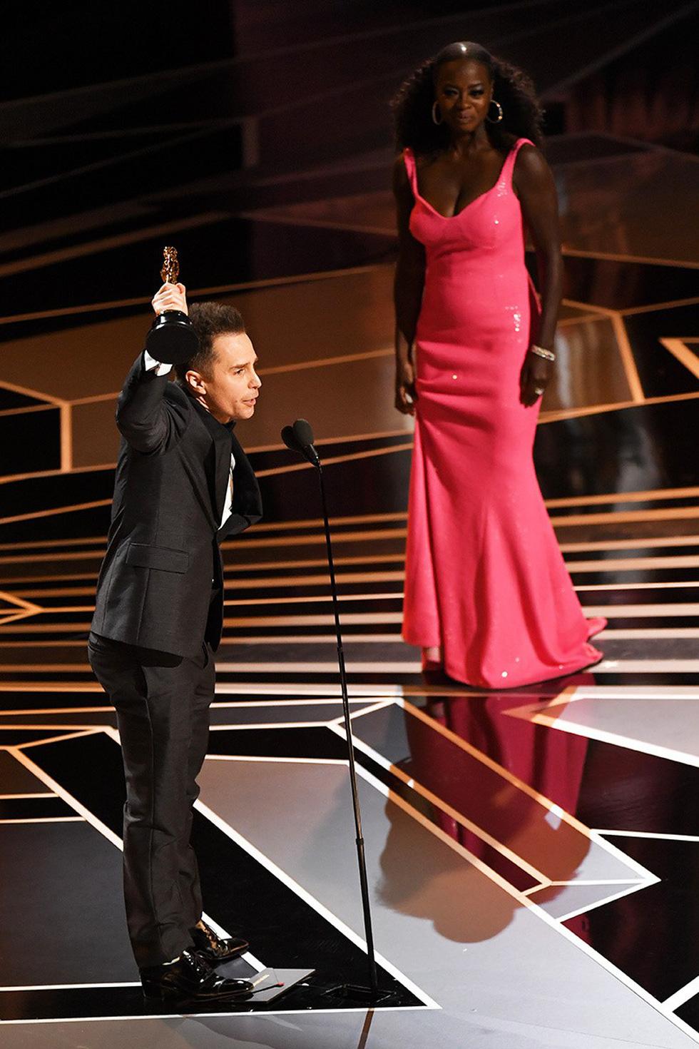 Những tên tuổi nổi tiếng đến Oscar lần thứ 90 để trao giải  - Ảnh 2.