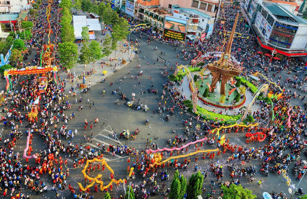 Nét đẹp lễ hội ở Thủ Dầu Một - Ảnh 1.