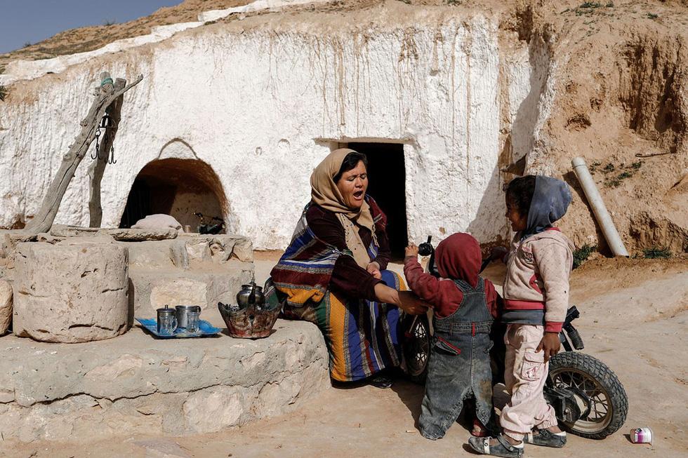 Những gia đình cuối cùng sống dưới lòng đất ở Tunisia - Ảnh 8.