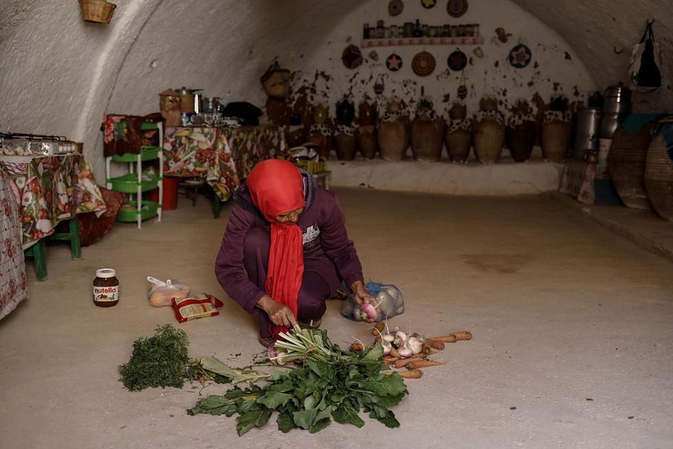 Những gia đình cuối cùng sống dưới lòng đất ở Tunisia - Ảnh 9.