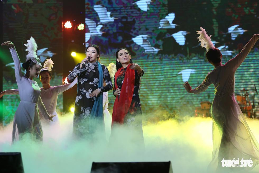 Người tình mùa đông Như Quỳnh đốt nóng hơn 2.000 khán giả - Ảnh 11.