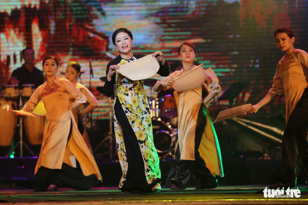 Người tình mùa đông Như Quỳnh đốt nóng hơn 2.000 khán giả - Ảnh 9.