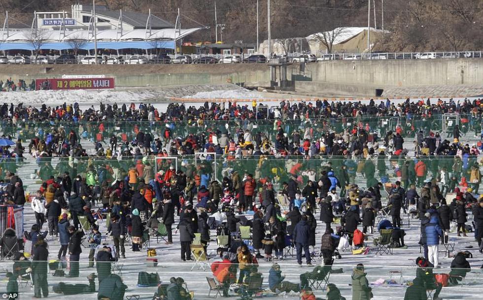 Sang Hàn Quốc và Trung Quốc vui lễ hội băng tuyết - Ảnh 4.