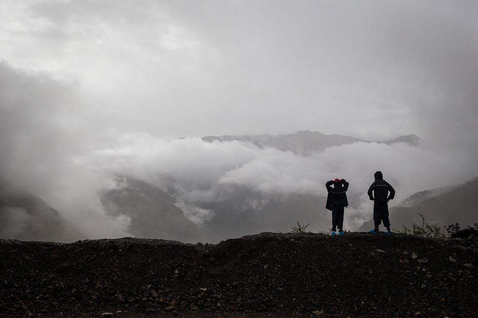 Bài học đầu đời cho con trai: đạp xe chinh phục Tây Tạng - Ảnh 17.