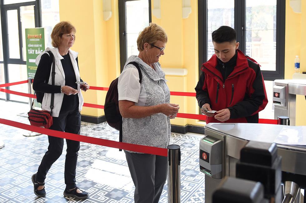 Du lịch Nhật Bản, Hàn Quốc hốt bạc nhờ nới lỏng visa - Ảnh 1.