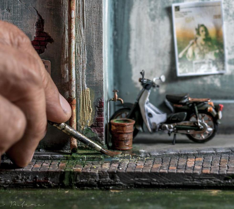 Đi ngược thời gian bằng mô hình siêu nhỏ của nghệ nhân Malaysia - Ảnh 16.