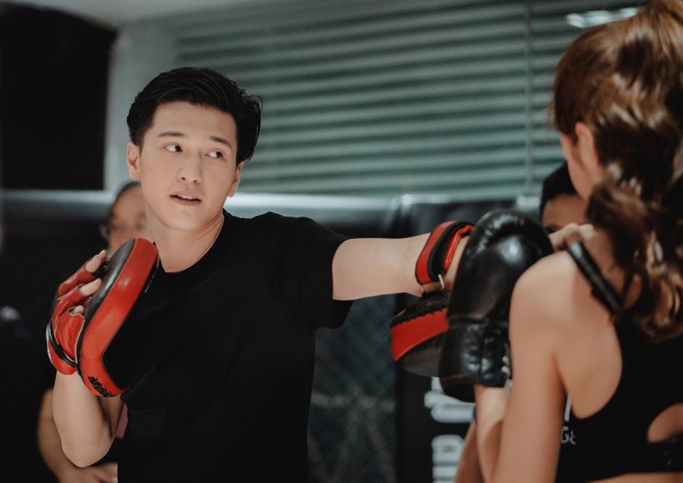 Huỳnh Anh: Tôi nghĩ làm phim đơn giản như tán gái - Ảnh 9.