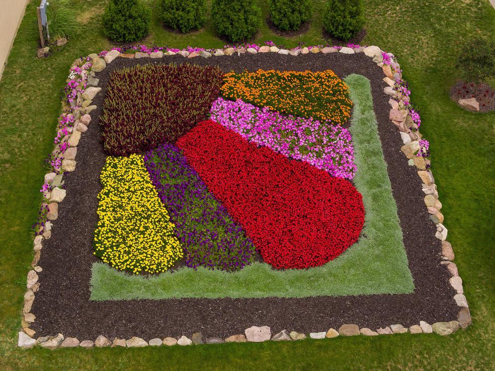 Thăm vườn nghệ thuật 'Quilt' độc đáo nhất ở Mỹ - Ảnh 12.