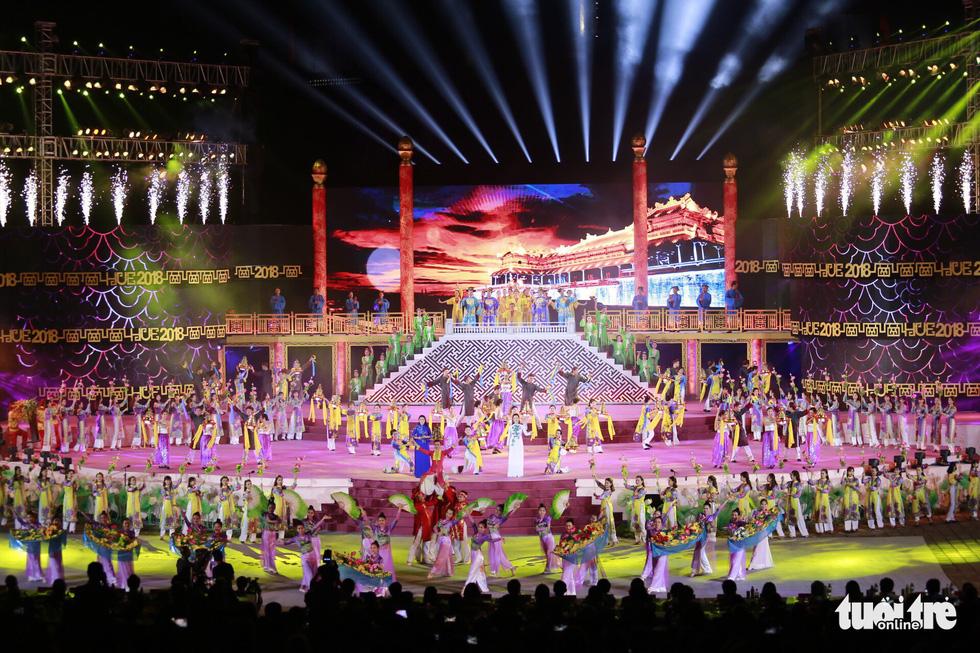 Festival Huế 2018 khai mạc: Năm châu hội tụ rộn ràng xứ Huế - Ảnh 2.