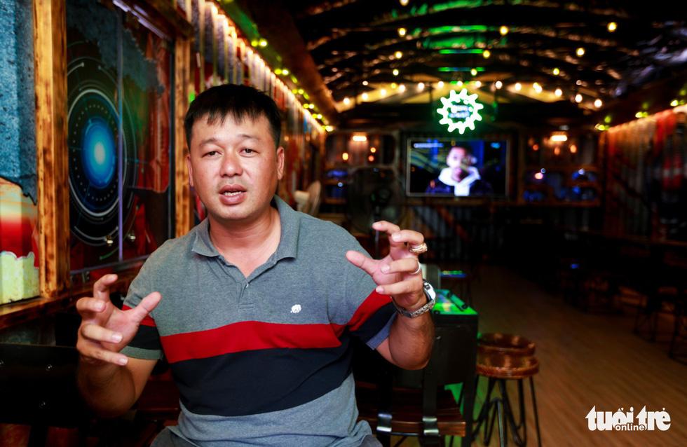 Quán cà phê trong xe container còn hạn đăng kiểm có một không hai tại Sài Gòn - Ảnh 3.
