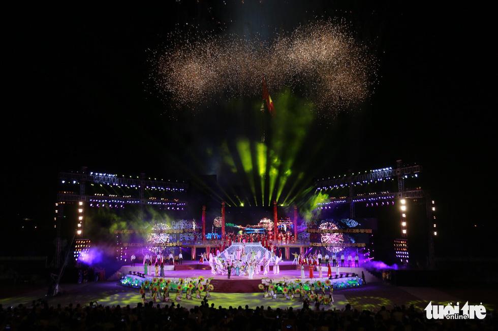 Festival Huế 2018 khai mạc: Năm châu hội tụ rộn ràng xứ Huế - Ảnh 8.