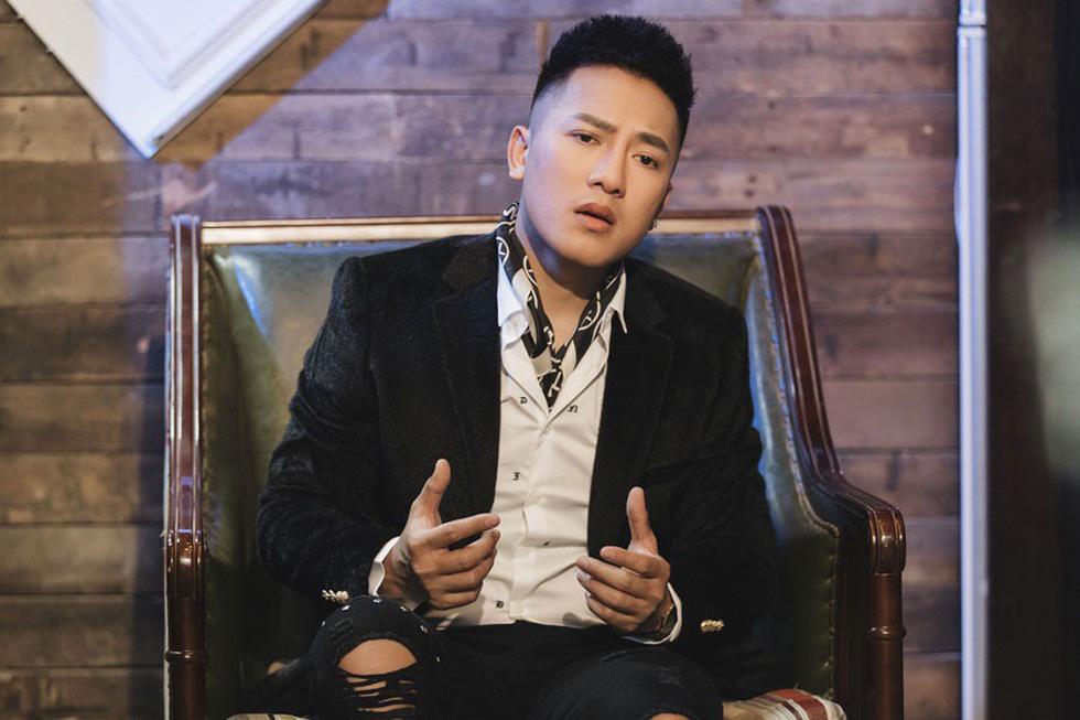 MV của Soobin, Chi Pu, Tóc Tiên, Hari Won... không hiểu sao mà hot? - Ảnh 6.