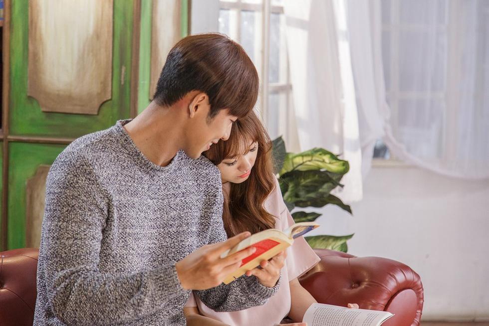 MV của Soobin, Chi Pu, Tóc Tiên, Hari Won... không hiểu sao mà hot? - Ảnh 12.