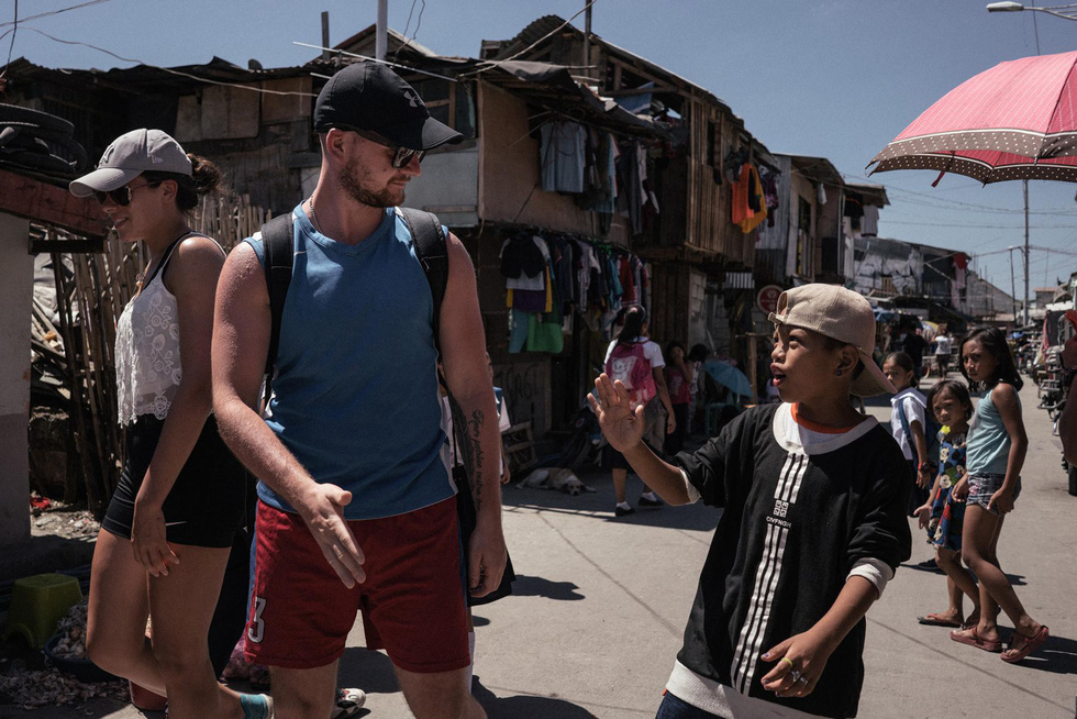 Tranh cãi về tour du lịch xem dân nghèo sống ra sao - Ảnh 6.