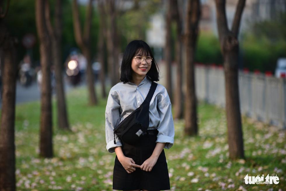 Sài Gòn có thêm mùa hoa kèn hồng - Ảnh 15.