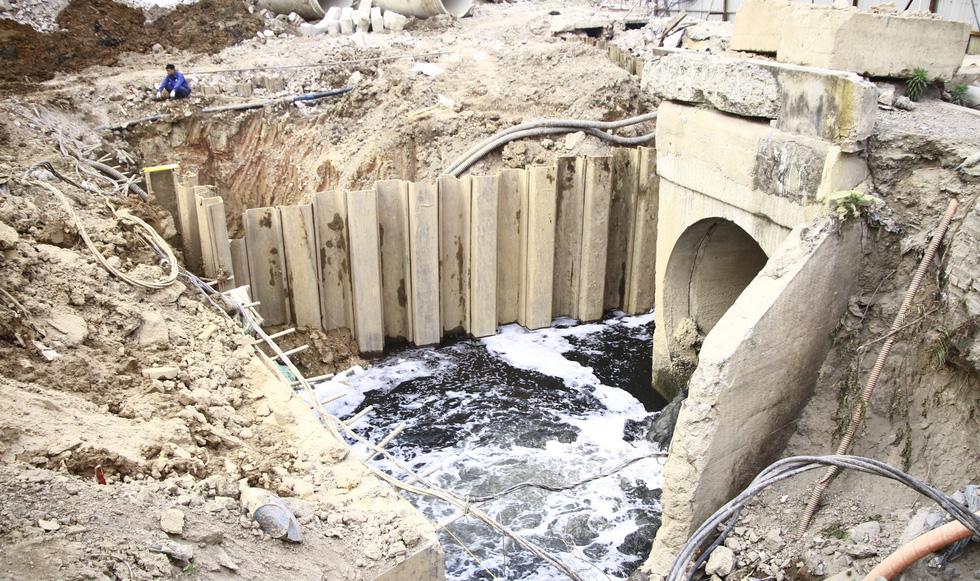 Dân sống khổ bên sông Cầu Đá đổi màu đen đặc - Ảnh 10.