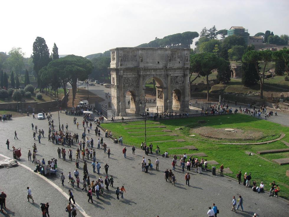 Mọi con đường đều dẫn đến Roma - Ảnh 2.