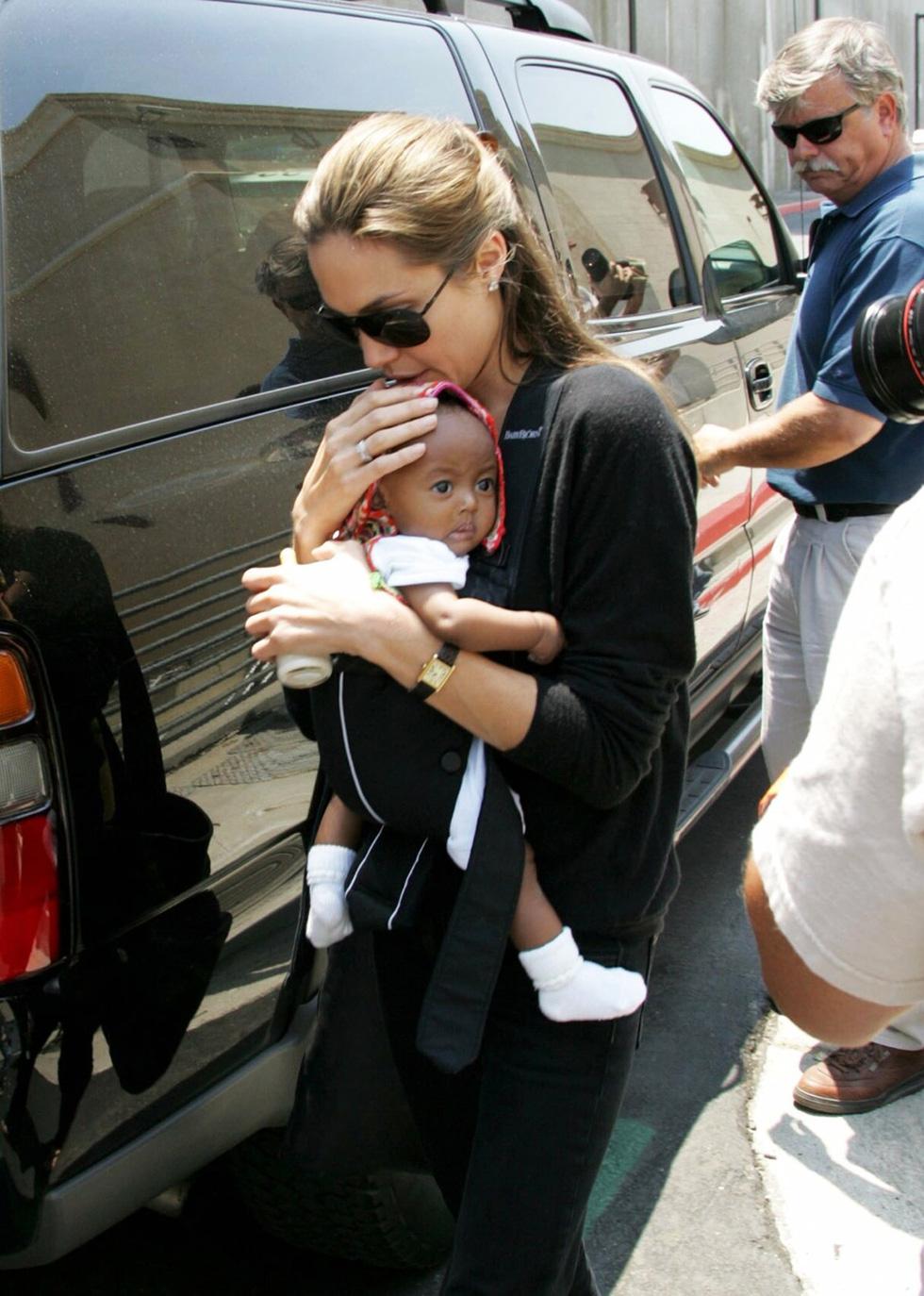 Brad Pitt và Angelina Jolie: 12 năm hội ngộ rồi chia ly... - Ảnh 7.