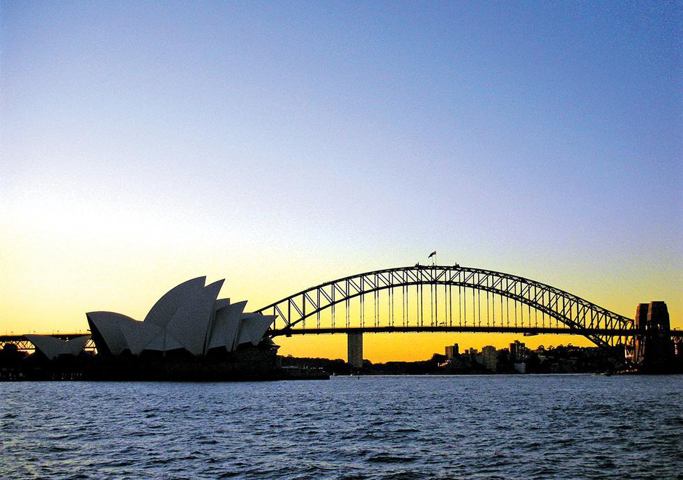 Mùa đông nam bán cầu: đi Úc ngắm tuyết, đi Nam Phi ngắm voi - Ảnh 1.