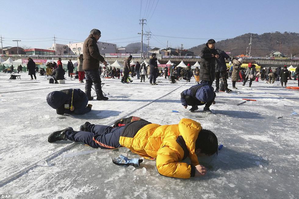 Sang Hàn Quốc và Trung Quốc vui lễ hội băng tuyết - Ảnh 5.